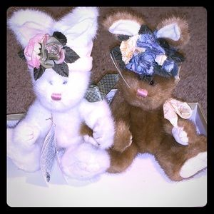 Two Boyd Bear Bunnies With Flower Hats With Tag